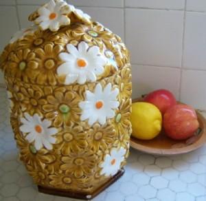 Daisy Cookie Jar